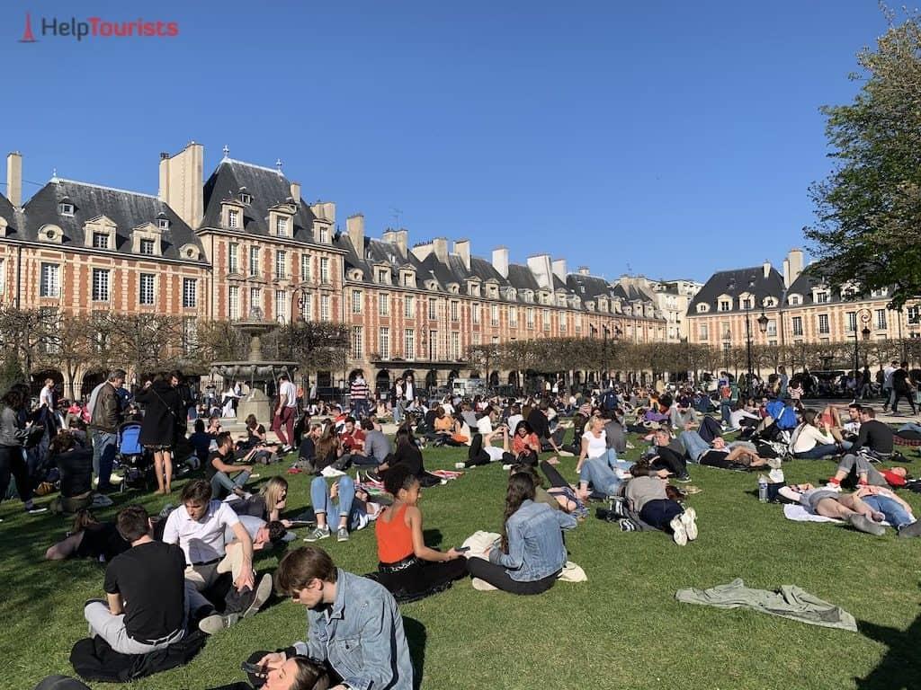 Picknick auf dem Place des Vosges