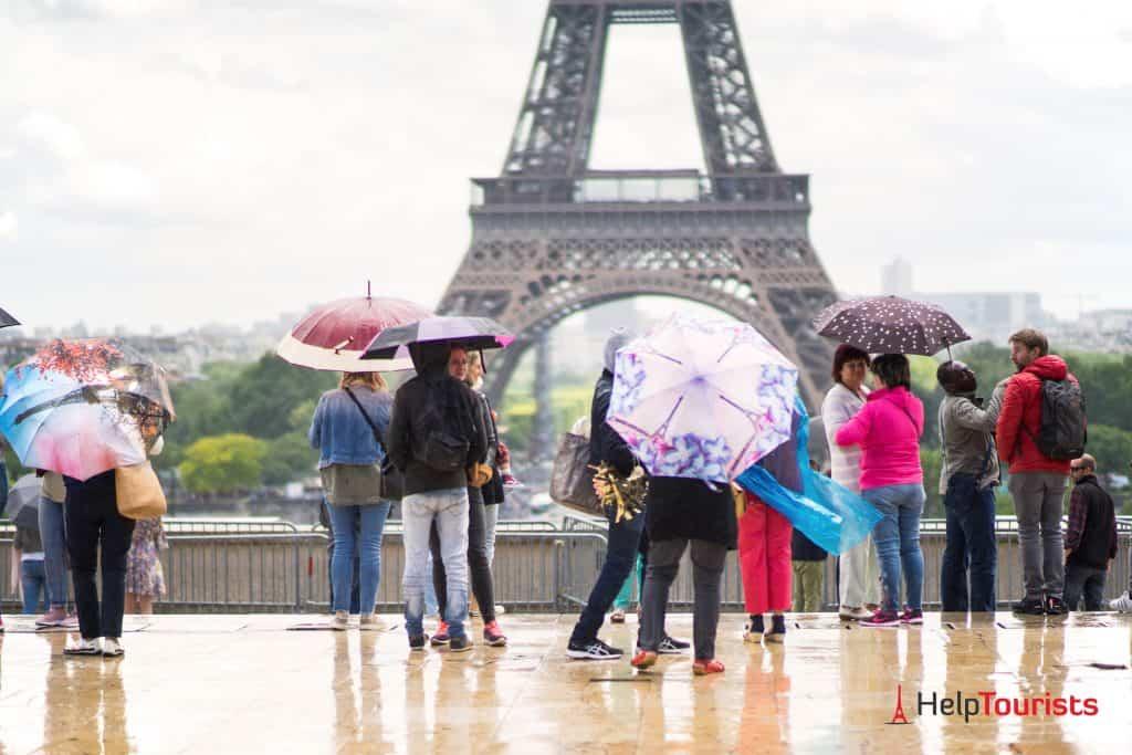 Regen_Eiffelturm_Paris