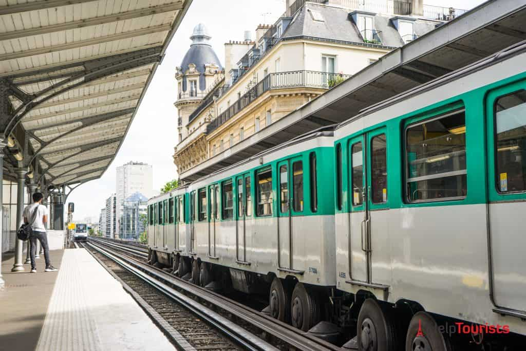 Metro_6_Haltestelle