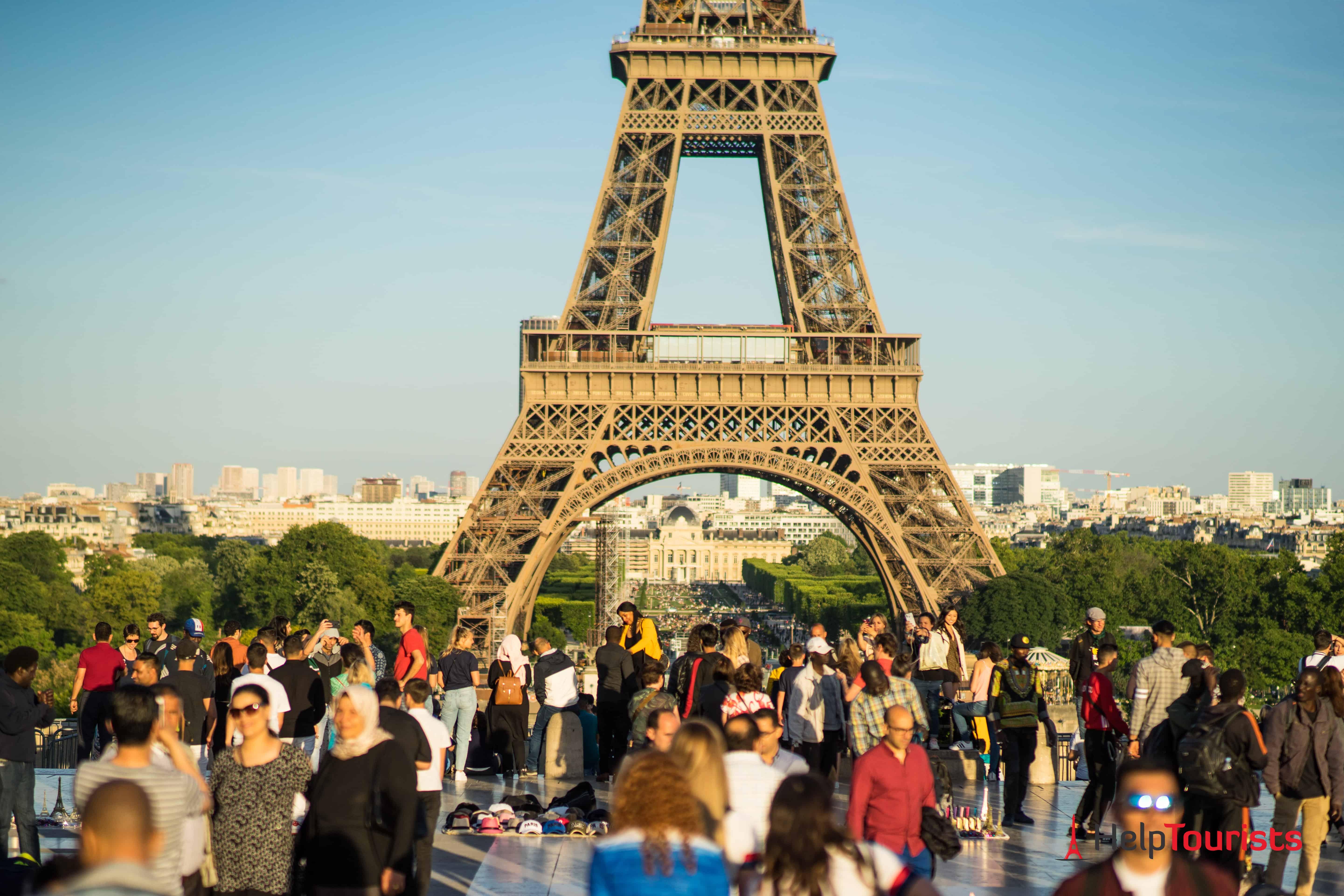 Trocadero_Menschenmassen_Aussichtsplattform