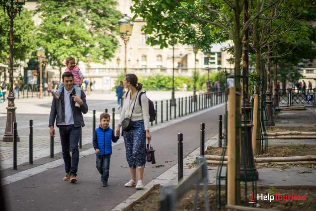 PARIS_Cite_Familie_Kinder_l