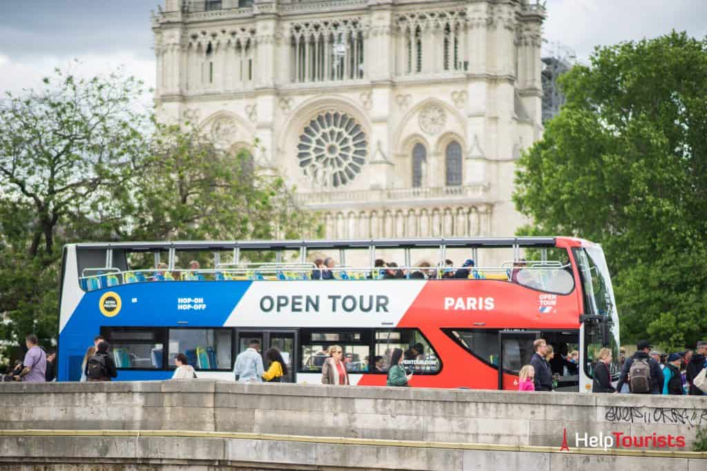 PARIS_Hop-On_Open-Tour_Notre-Dame_l