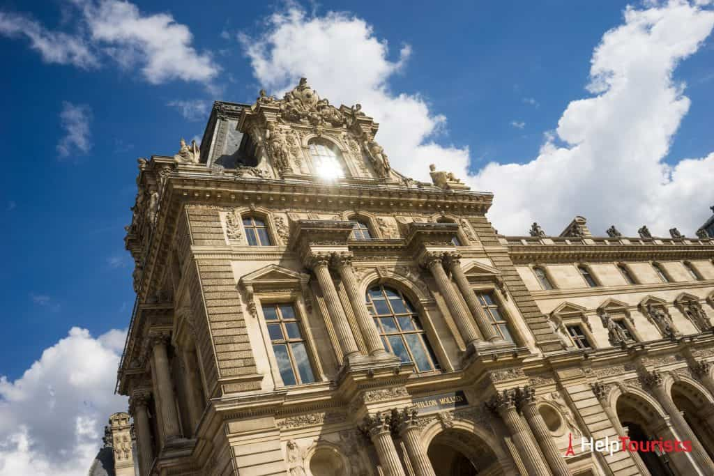 PARIS_Louvre_Gebaeude_02_l