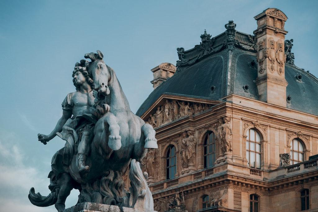 Louvre reiterstatue
