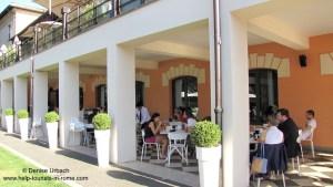 cafe-in-rome