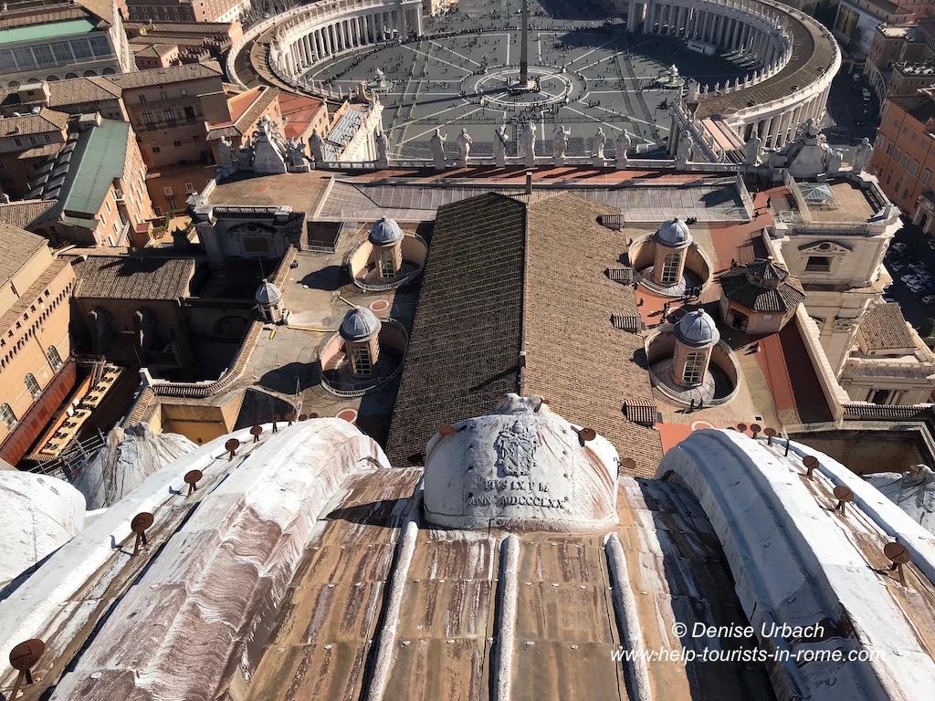 Ausblick Kuppel Petersdom auf Petersplatz