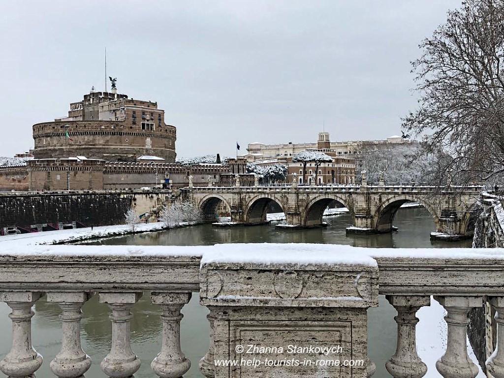 Engelsburg Rom im Schnee