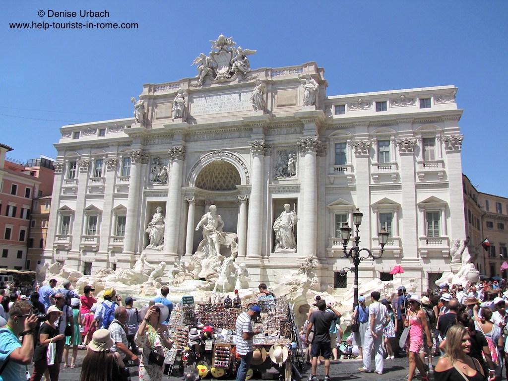 Fontana-di-Trevi-Trevi-Fountain-in-Rome