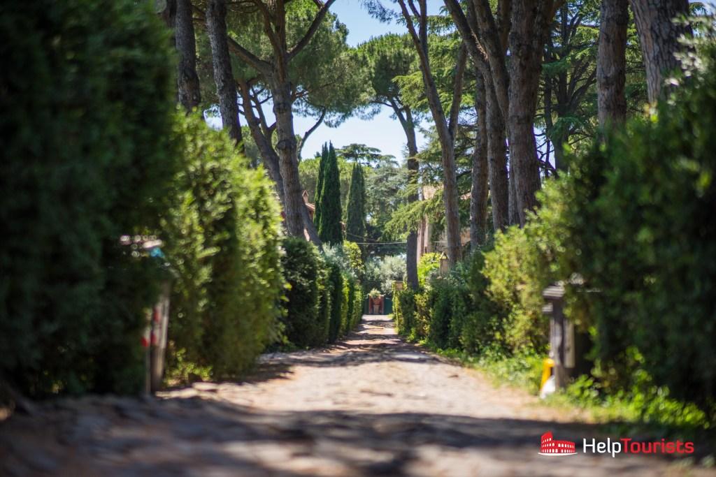 ROM_Via-Appia-Antica_house entry_l