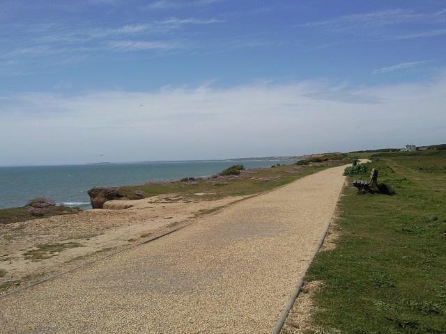 clifftop promenade, Milford on Sea