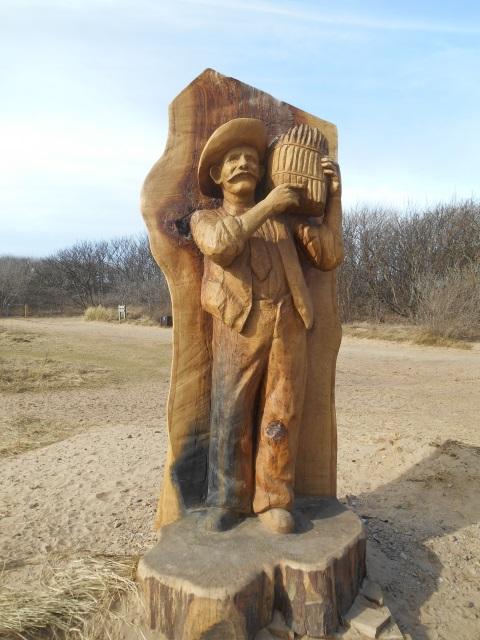Jimmy Lowe wood sculpture