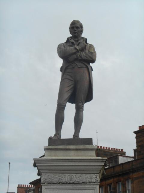A statue of Robert Burns
