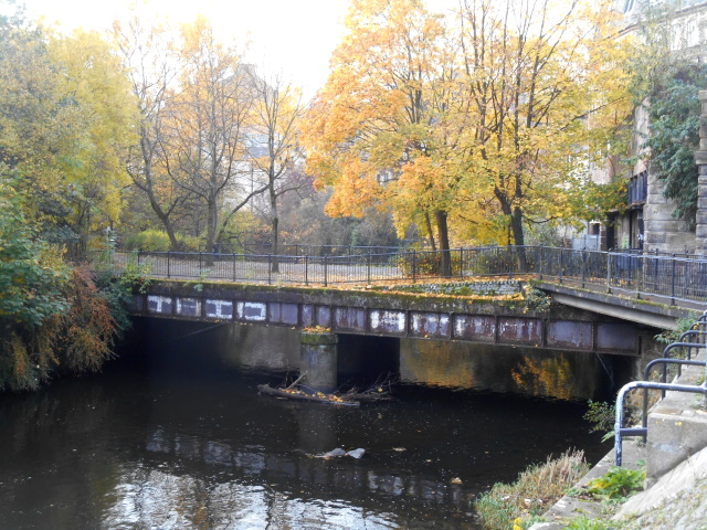 Kelvinbridge Station footbridge