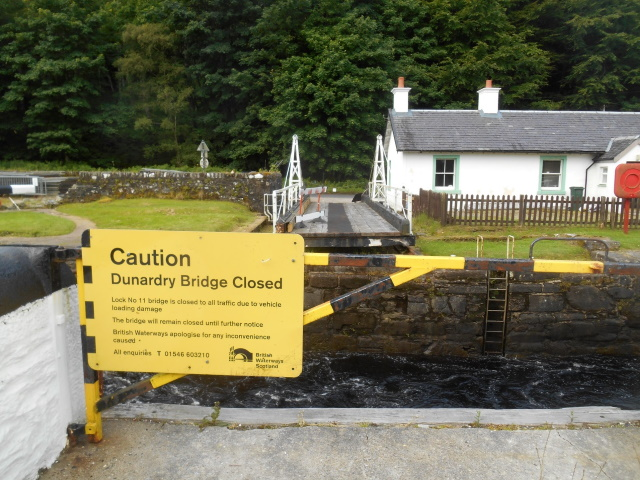 Sign: Caution. Dunardry Bridge closed.