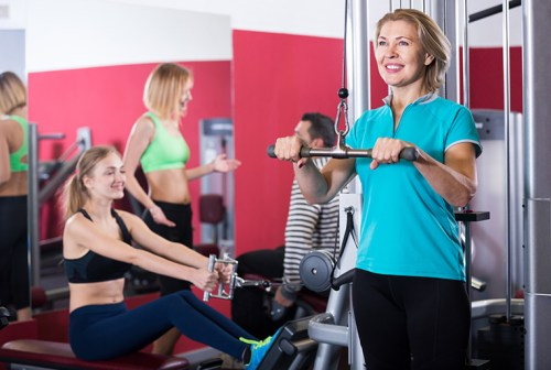 Picture of a woman working out at the gym