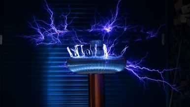 Sähkö voi olla väärin käytettynä vaarallista.