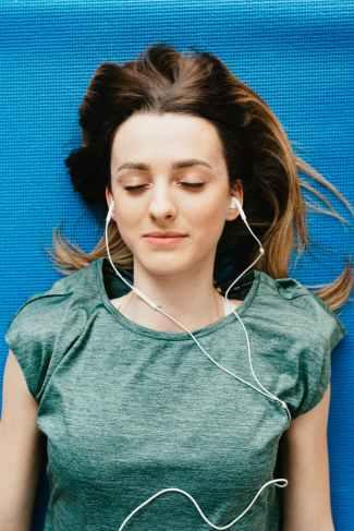 Äänikirjoja voi helposti kuunnella missä vain.