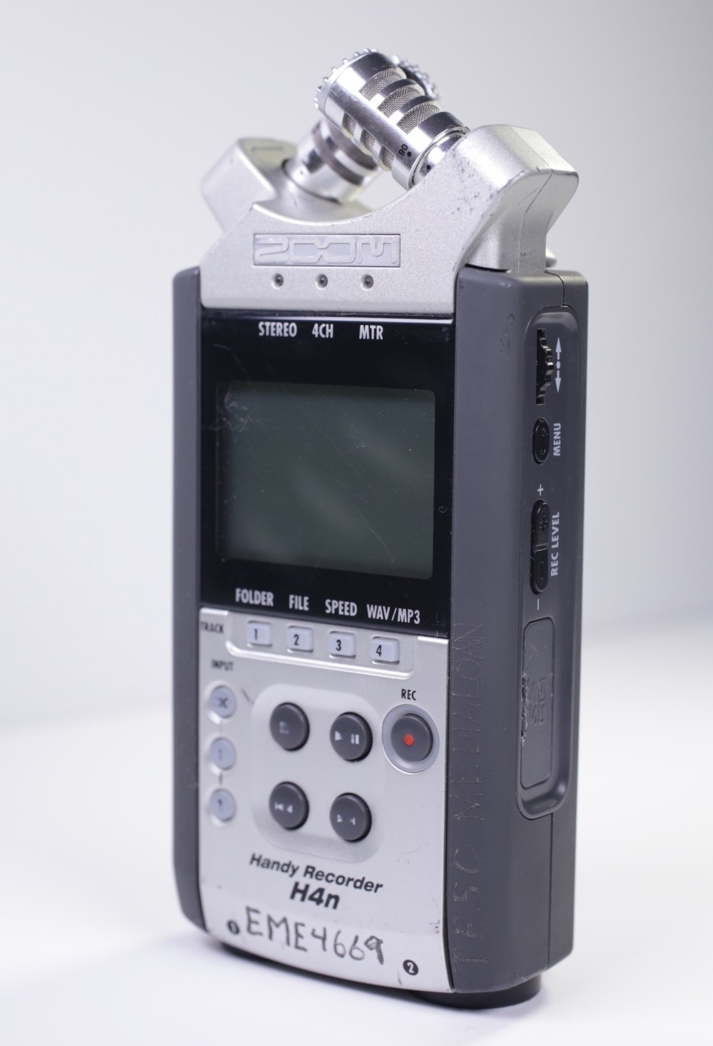 medium resolution of zoom h4n front