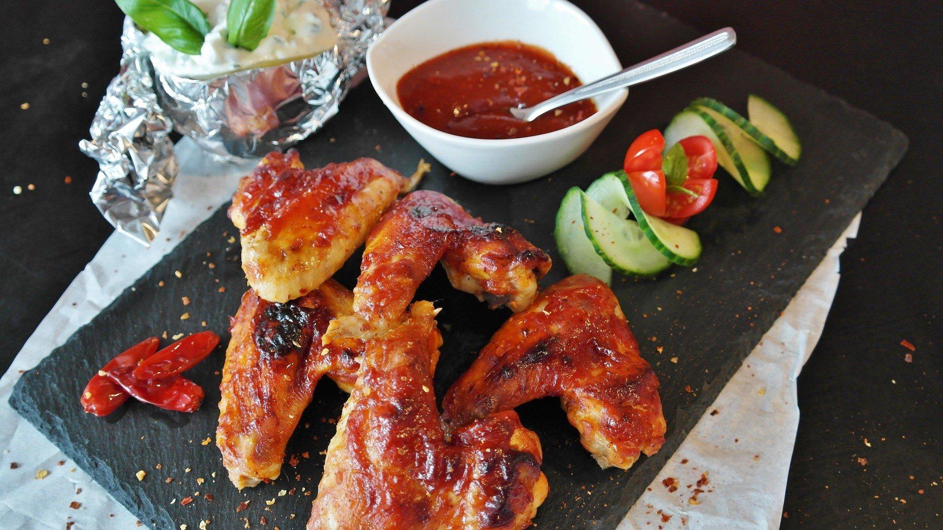 "Helvetic-Barbeque – ""Original"" Sauce & Wings"