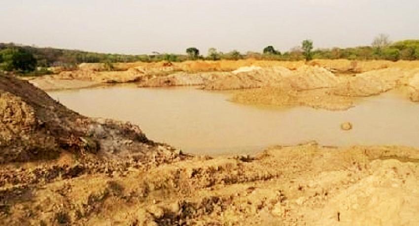 Un chantier minier des chinois à Bozoum. © CNC/ HA