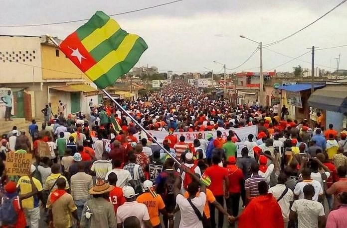 Des manifestants dans les rues de Lomé, Togo ce 17 novembre 2018 © Togo Top Infos