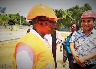 Le président Faustin Boukoubi sur le chantier de réhabilitation de nouveau palais Léon Mba et de l'hémicycle gabonais © Agence Gabonaise de Presse / HA
