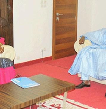 Le président de l'Assemblée nationale du Niger, Ousseini Tinni et la représentante de l'OMS au Niger, Dr Anya Blanche Philomène lors de l'audience © Sahel / HA