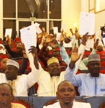 Les députés nigériens lors de l'adoption de la loi sur l'état civil © Niger Diaspara