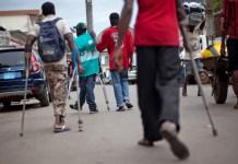 Des personnes handicapées, atteintes de la polio dans les rues © Koudouba / HA