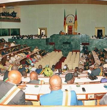 Les députés en séance plénière à l'hémicycle © Hindrich / HA