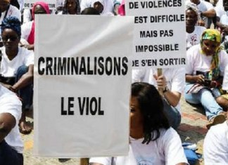 Des femmes manifestent pour la criminalisation des actes de viols et de pédophilie en République du Sénégal