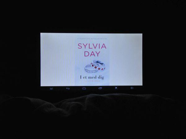 """#Fredagsbog uge 25 - """"I et med dig"""" - Sylvia Day - Crossfire - Bogfinkens bogblog"""