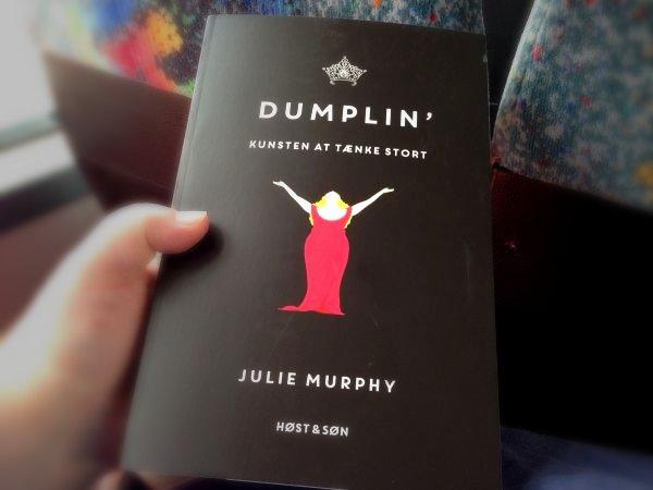 """""""Dumplin'"""" af Julie Murphy - boganmeldelse Bogfinken bogblog"""