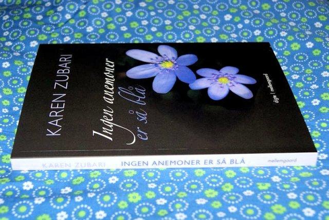 """""""Ingen anemoner er så blå"""" af Karen Zubari - boganmeldelse - Bogfinken bogblog"""