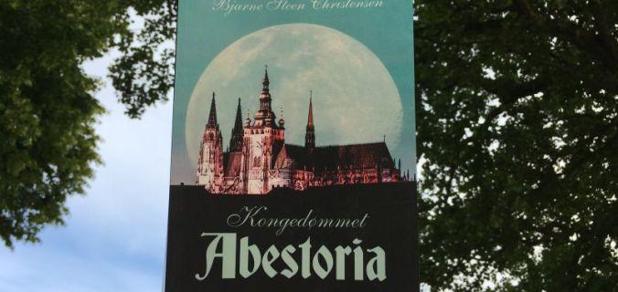 Kongedømmet Abestoria af Bjarne Steen Christensen - Bogfinkens bogblog
