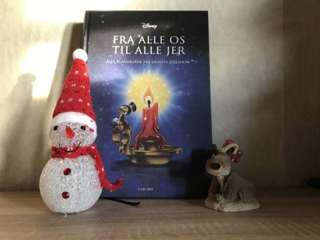 Fra alle os til alle jer - alle klassikerne fra Disneys Juleshow af Walt Disney Studio - Bogfinkens bogblog