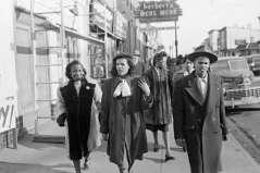 Pedestrians walking on Pennsylvania Avenue, circa 1948. Paul Henderson, HEN.00.B1-113.