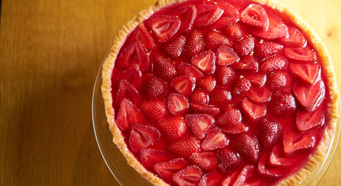 Food photography of freshly made strawberry pai