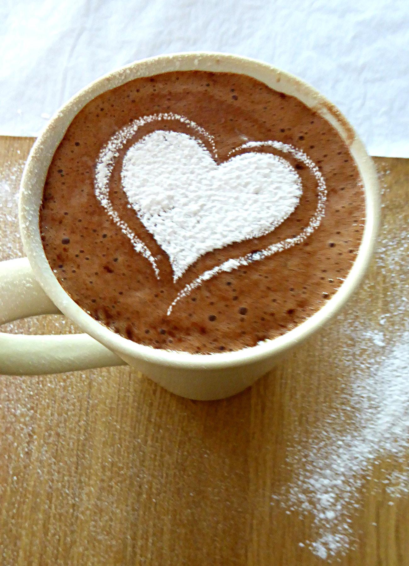 Cappuccino Heart Stencil  Henny Donovan Motif