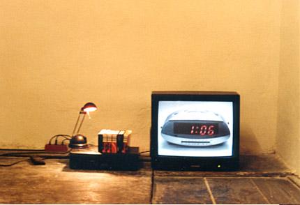 24h-aktuelle-uhrzeit-als-videoinstallation-6-vhs-a-240min-2006-kopie-2.jpg