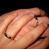 Förlovningsringarna...