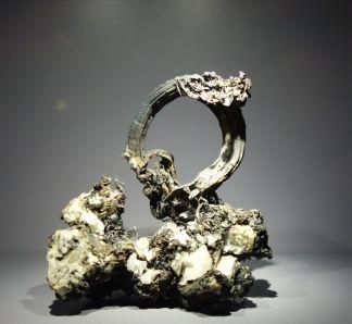 Argent natif. Mine du Kongsberg, Otslandet, Norvège. Trouvé sous cette forme dans la mine, en 1770. Don Christian VII, roi Danemark et de Norvège, cadeau diplomatique.