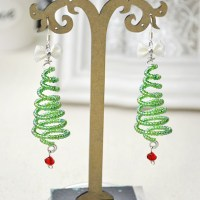 Cute Christmas Earrings Worthy of Your Attention!