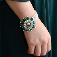 Handmade Three-strand Green Flower Bracelet with Pearl Beads