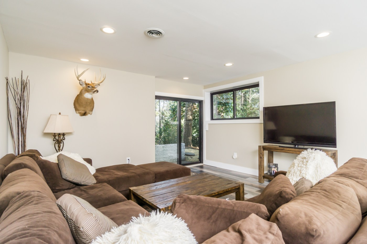645 River Valley Rd-31
