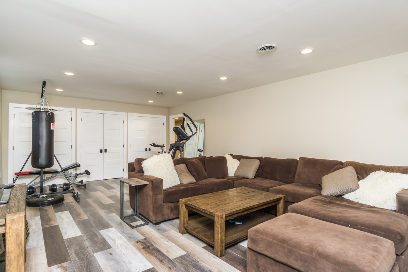 645 River Valley Rd-32