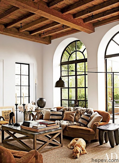 rustic-living-room-alfredo-paredes-michael-neumann-architecture-new-york-new-york-201204-2