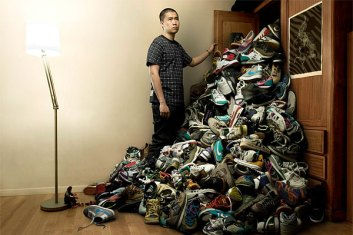 overflowing-shoes