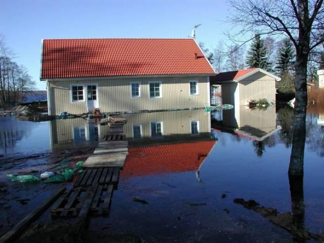 Flooding of Lake Finjasjön in Winter 2002. Source: SMHI's image archive. Photographer: Gunn Persson