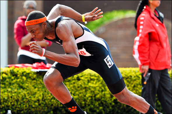 Austin Hollimon's Tiger socks paved the way for 400-meter victory.
